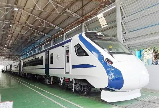Train 18 – India's Engine less fastest train performed trial run