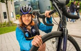 Indian woman is the youngest to cycle around the world